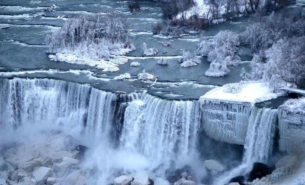 Les chutes du Niagara en hiver