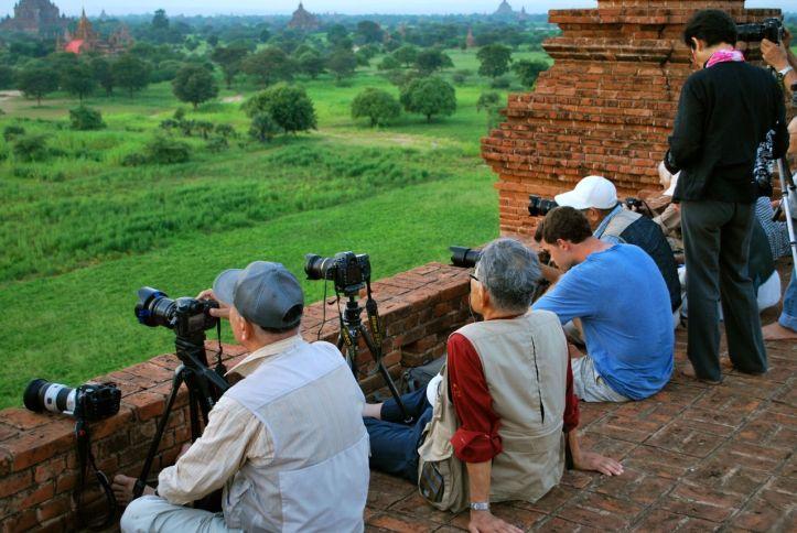 Il y a quelques années, il était possible de voir un coucher de soleil seul du haut d'un temple de Bagan.