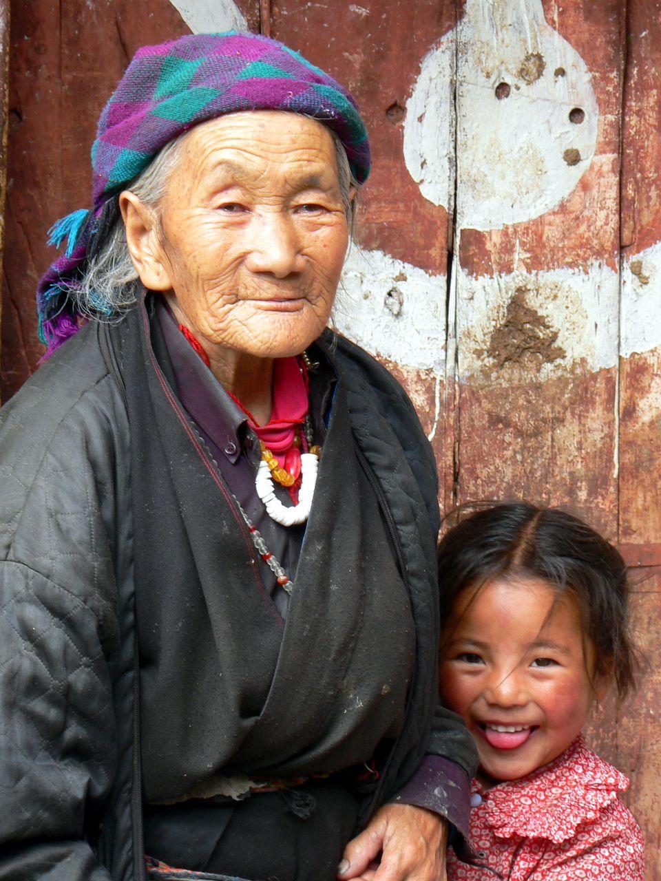 Tibet, sur la route de Lhassa à la frontière du Népal.