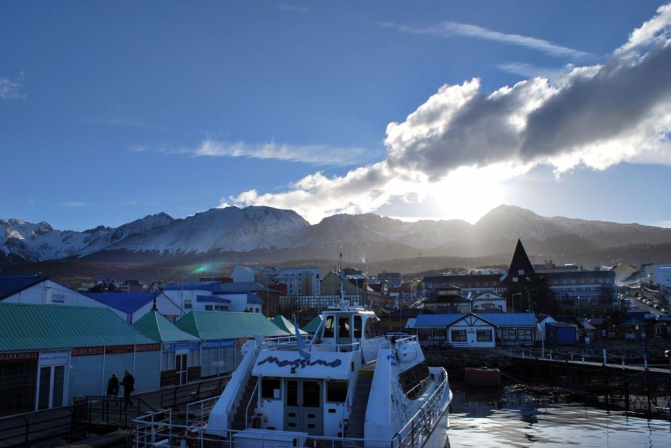 9. (a) Ushuaia (b) Svolvær (c) Wellington (d) Bitchfield